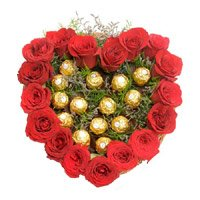 Send Heart Of 16 Pcs Ferrero Roacher N 18 Red Roses in India