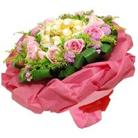 Deliver Online Rakhi Gift hamper Pink Roses and chocolate with Rakhi to India