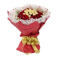 Online Rakhi Gift hamper Delivery Ferrero Rocher Chocolate encircled with 20 Red Roses
