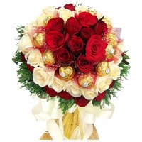 Send Red White Roses chocolate Bouquet with Rakhi in India